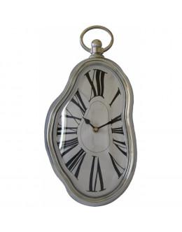 Часы стекающие Сальвадора Дали